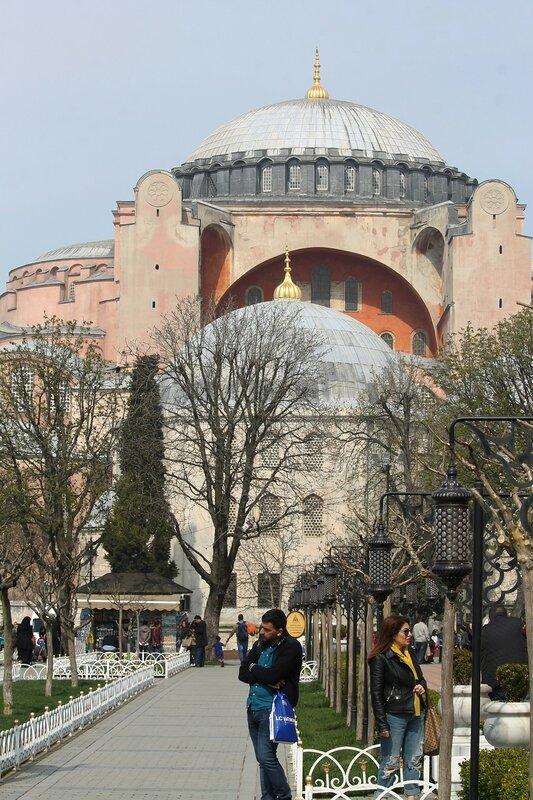 Istanbul. Ayasofya Square (Ayasofya Meydanı)
