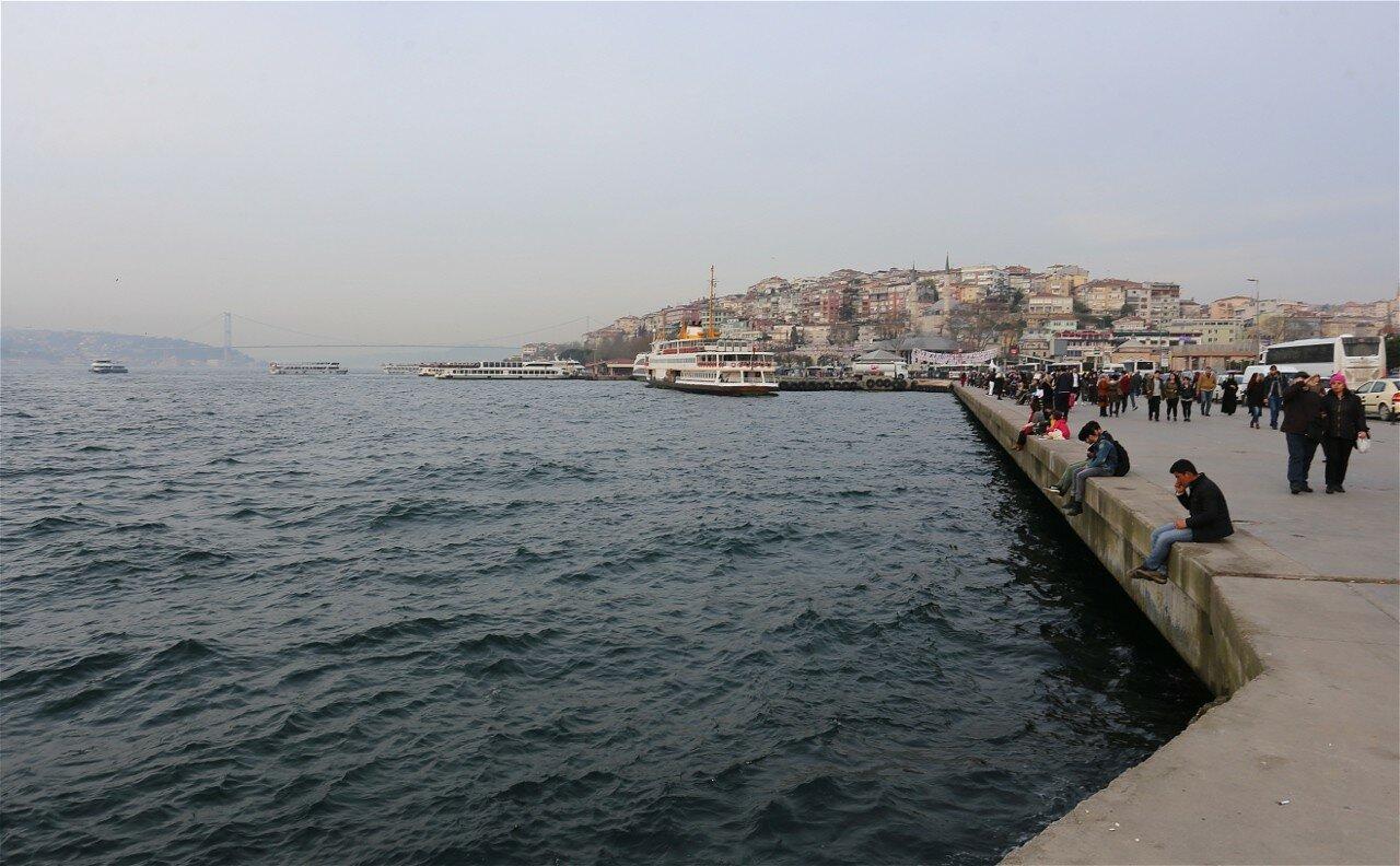 Стамбул, Ускюдар. Вечер на набережной Мимар Синан