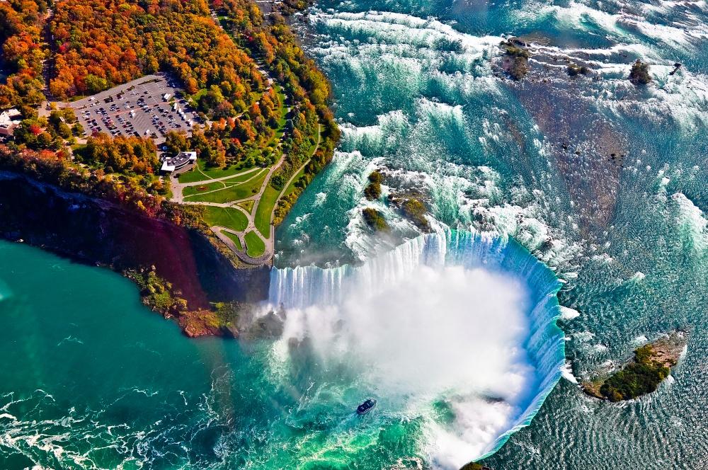 © Depositphotos  Погашение кредита: до$7000 Ниагарский водопад пытается привлечь молодое на