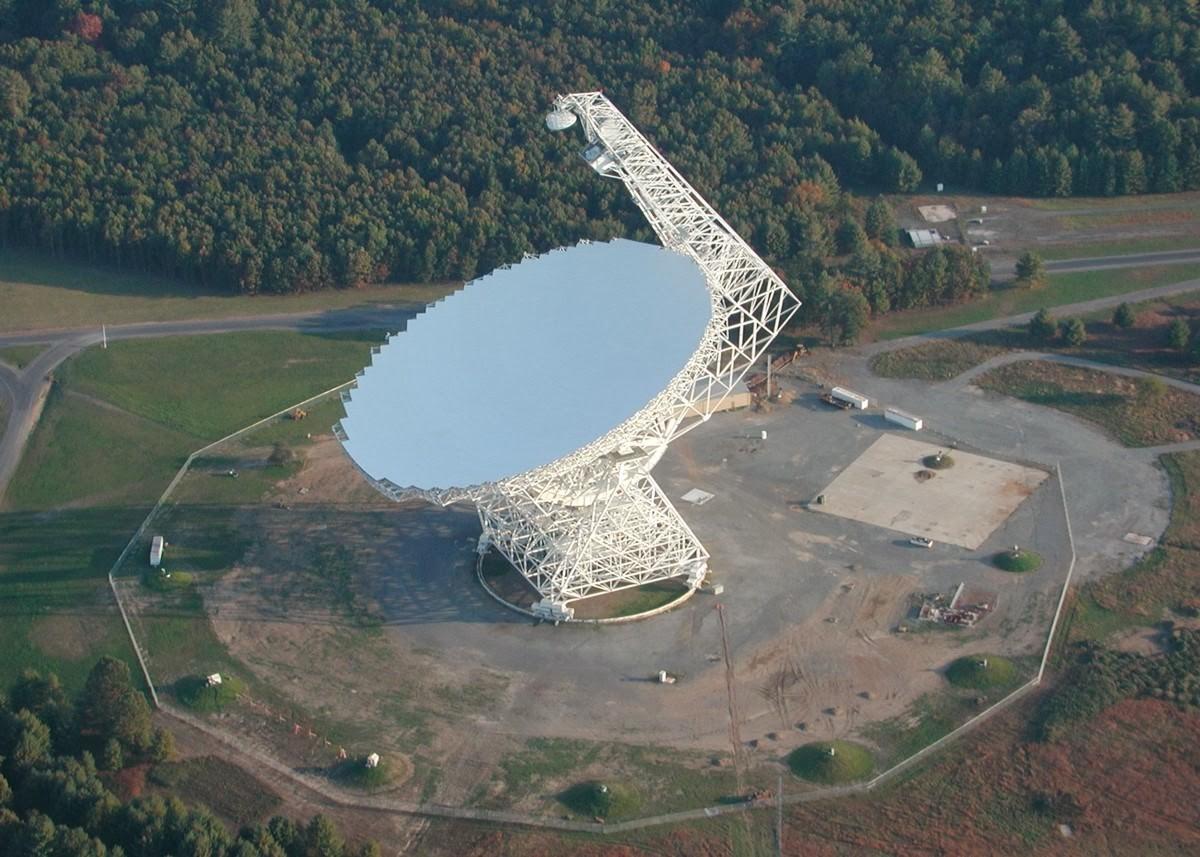 2. Грин Бэнк, США, Западная Вирджиния Грин Бэнк — город, в котором расположен самый большой телескоп