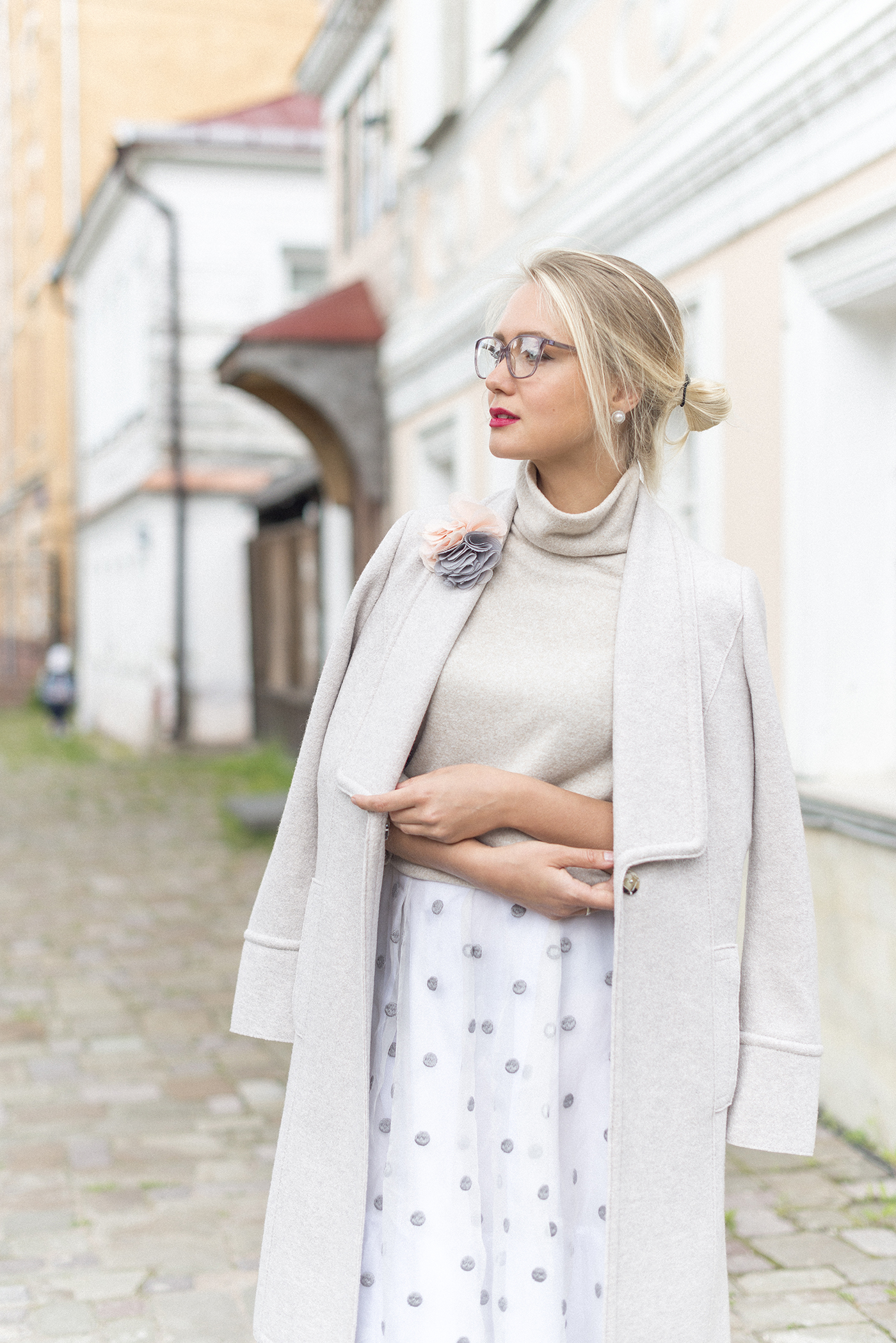 inspiration, streetstyle, autumn outfit, annamidday, top fashion blogger, top russian fashion blogger, фэшн блогер, русский блогер, известный блогер, топовый блогер, russian bloger, top russian blogger, streetfashion, russian fashion blogger, blogger, fashion, style, fashionista, модный блогер, российский блогер, ТОП блогер, ootd, lookoftheday, look, популярный блогер, российский модный блогер, russian girl, цветовые сочетания, streetstyle, красивая девушка, FW2017-2018, Marc Cain new collection, Анна миддэй, анна мидэй, Marc Cain, MBFWB, MBFW Berlin 2017, Berlin fashion week 2017, Fashion week, marc cain beige coat, marc cain Stylish knitted blouson, marc cain Pants in techno satin, marc cain Blouse-style top in silk organza, marc cain Skirt with silk, marc cain Luxurious coat, alberto guardiani WOMEN SNEAKERS IN BORDEAUX VELVET WITH A FRINGE AND A FLEXIBLE RUBBER SOLE