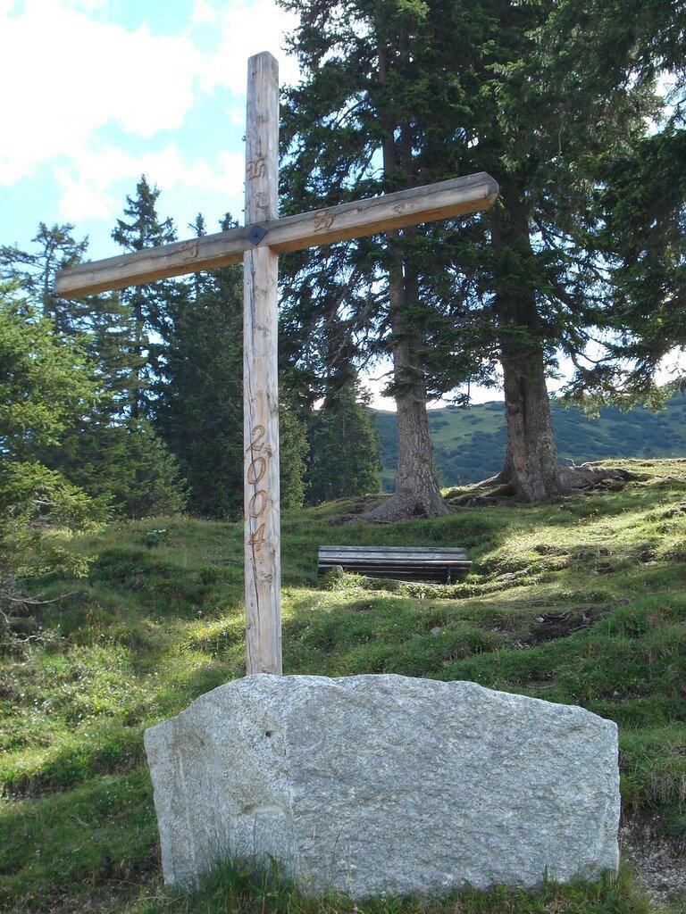 Крест в горах