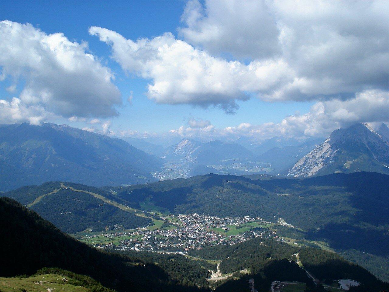 Вид на Зеефельд с высоты 2060 метров