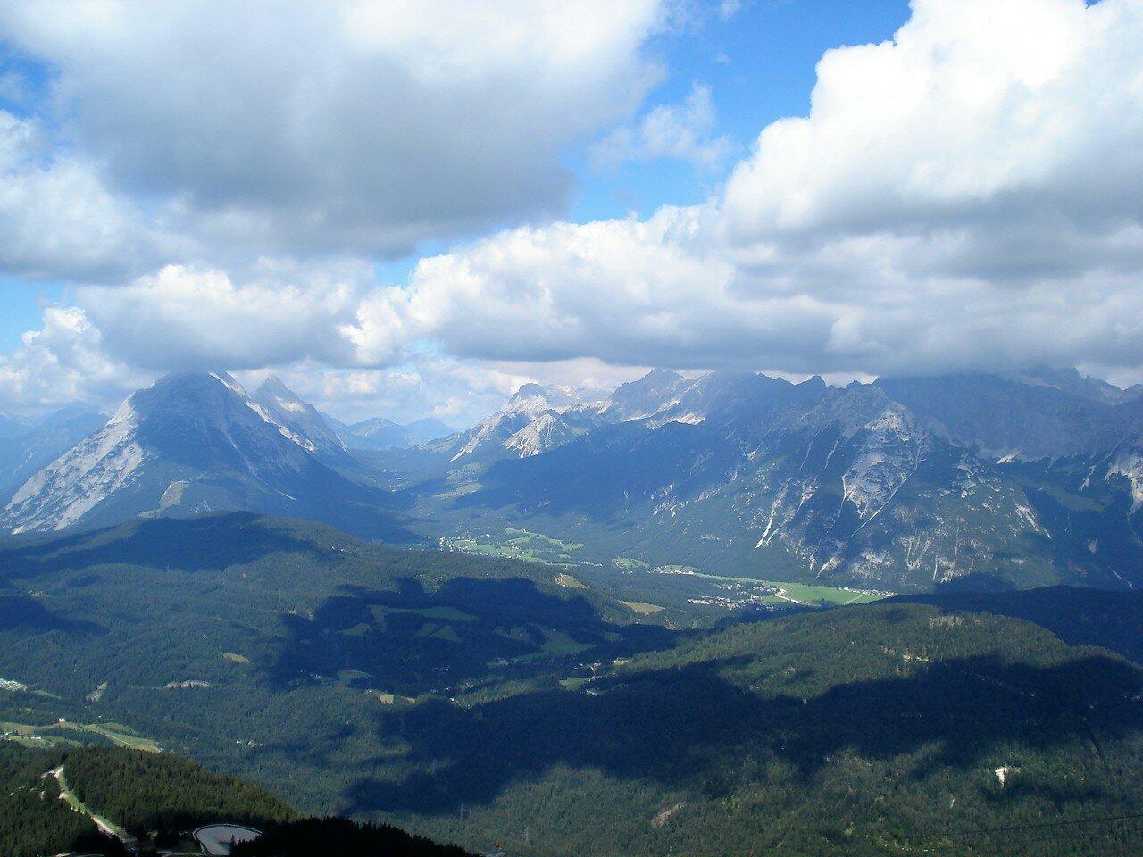 2060 метров