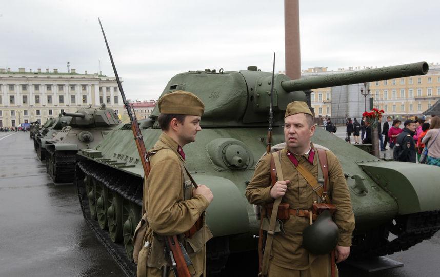 20170807_17-42-Выставка военной техники на Дворцовой площади продлится 5 дней-pic4