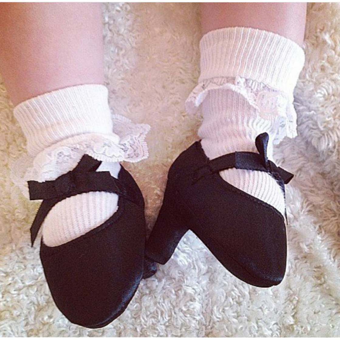 WTF of the day - There is now high heels shoes for babies
