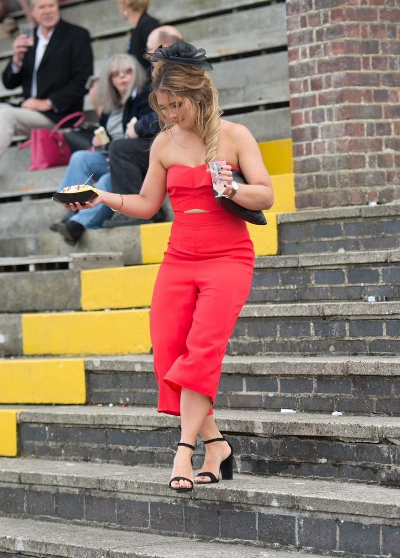 Британские «леди» отрываются на скачках