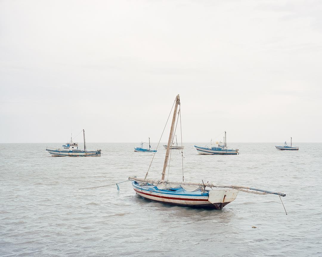 Красивые и минималистические пейзажи Акоса Майора