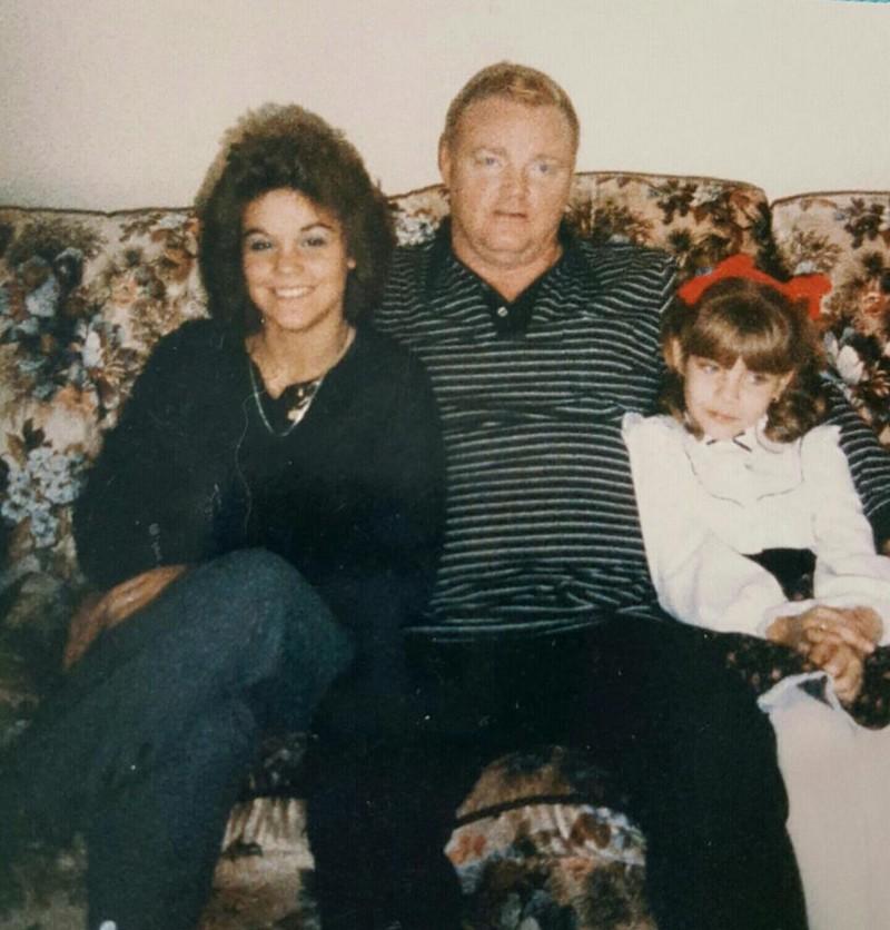 Отец с 10 лет насиловал дочь, пока та не наняла киллера