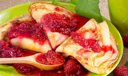 16 августа День малинового варенья. Блины с малиновым вареньем