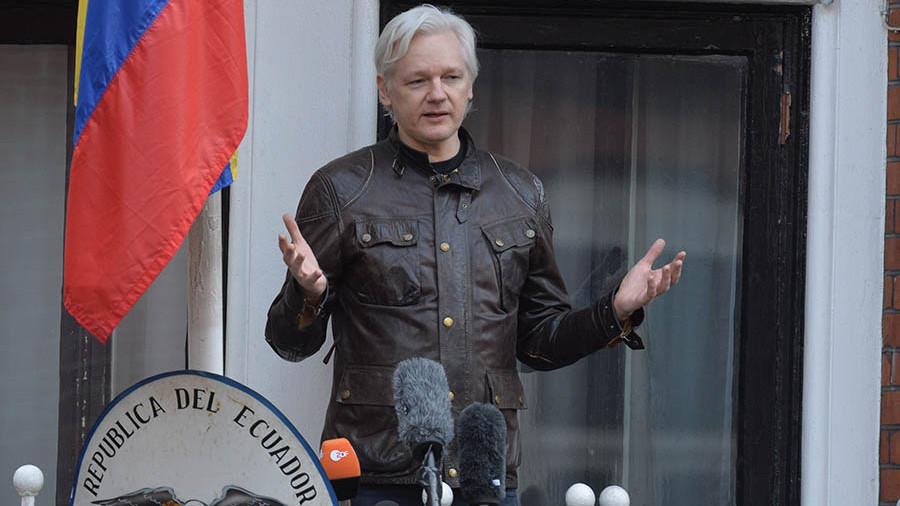 Ассанж заявил онепричастности России квзлому серверов Демократической партии США