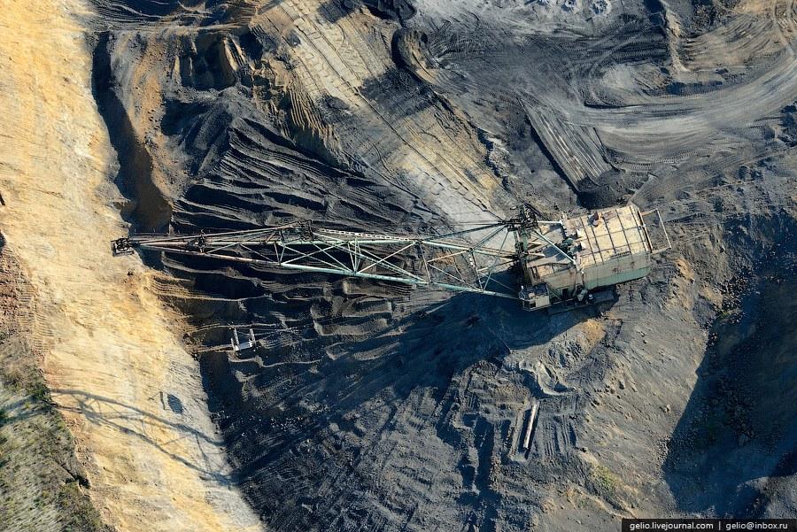Калтанский угольный разрез. Разрез принят в эксплуатацию в 1981 году. Проектная мощность 2 500