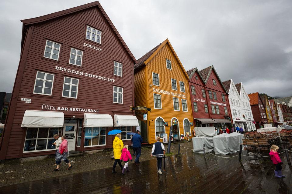 Сказочная Норвегия славится необщительностью своих граждан. Там не принято улыбаться на улице незнак