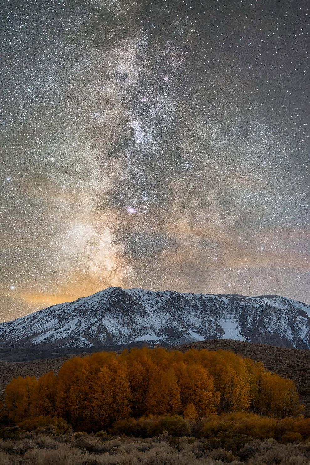 11. И снова снимок северного сияния, на этот раз в Тромсё. (Фото Derek Burdeny):
