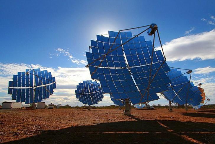 4. Есть два способа снижения стоимости солнечной энергии. Первый — пораженческий: намеренно использо