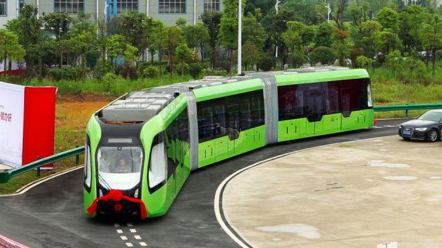 ВКитайской народной республике показали беспилотный трамвай