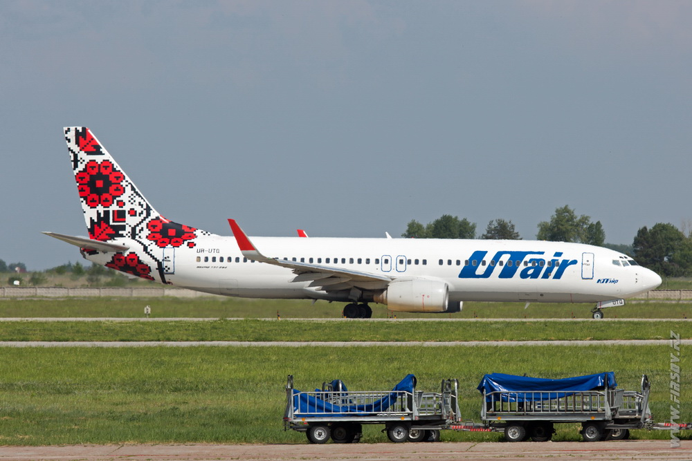 B-737_UR-UTQ_UTair_Ukraine.JPG