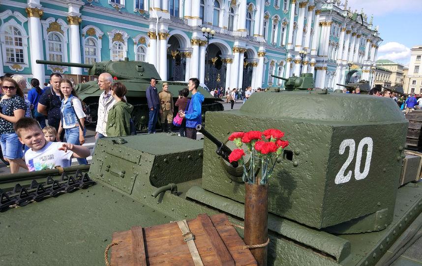 20170808_16-55-Военная техника прибыла на Дворцовую площадь~pic08