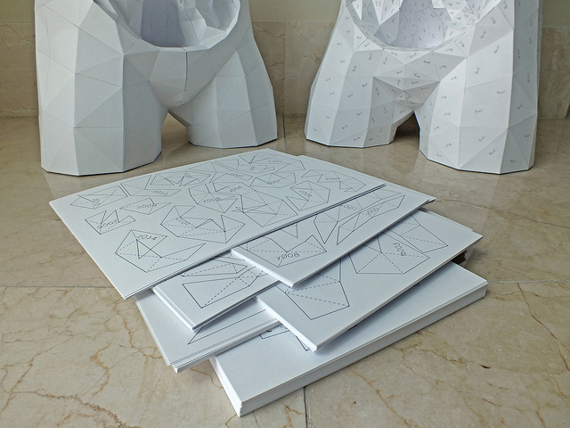 A year ago I wrote about this amazing geometric paper torso designed by artist Horst Kiechle . At th