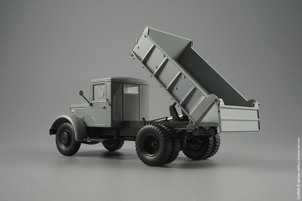 МАЗ-205-06.jpg
