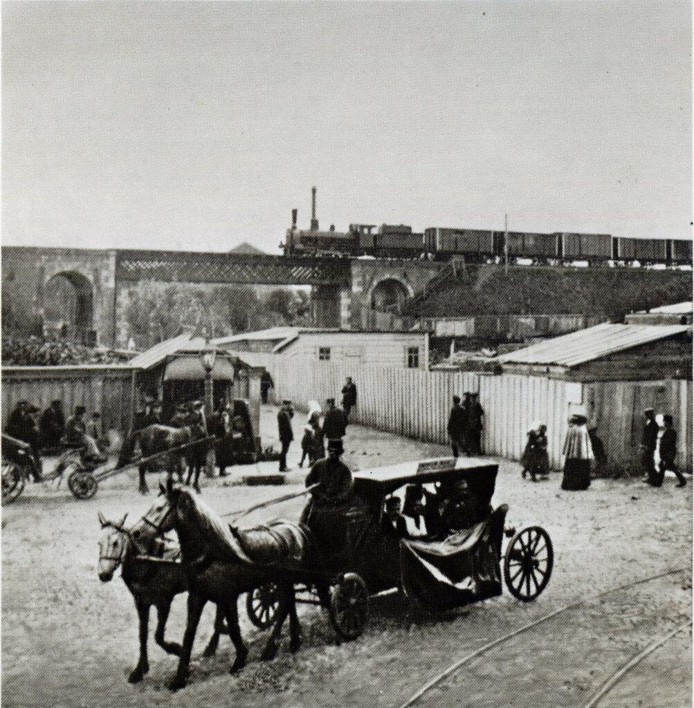 34902 Линейка у моста Московско-Казанской железной дороги.jpg1896.jpg