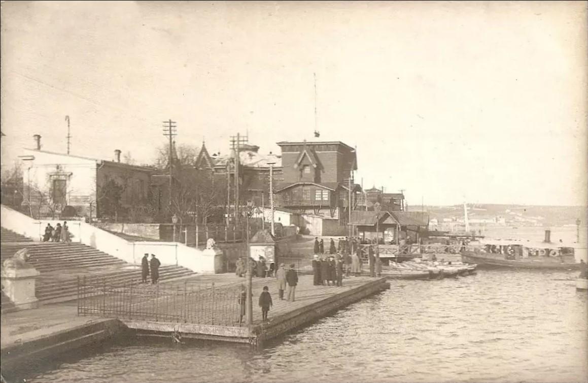 1918. Графская пристань