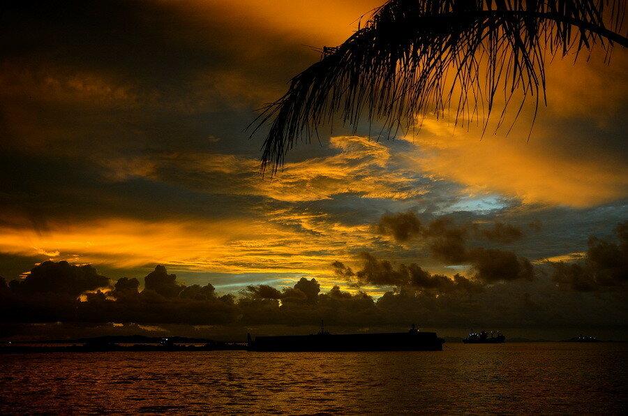 Закат Город Соронг на Западном Папуа в Индонезии Город Соронг на Западном Папуа в Индонезии 0 1b0fbc aa80b729 XXL