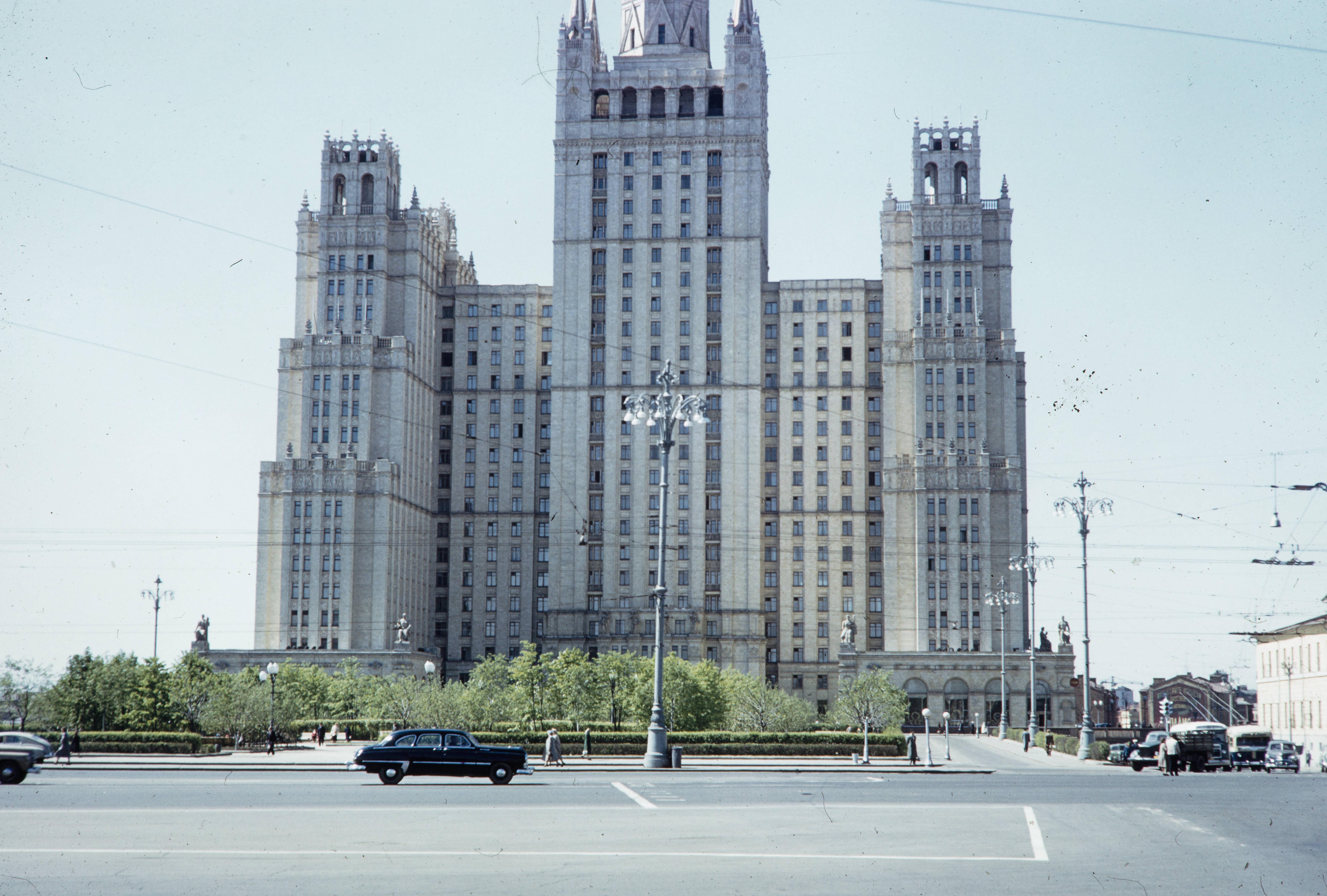 Здание на Кудринской площади