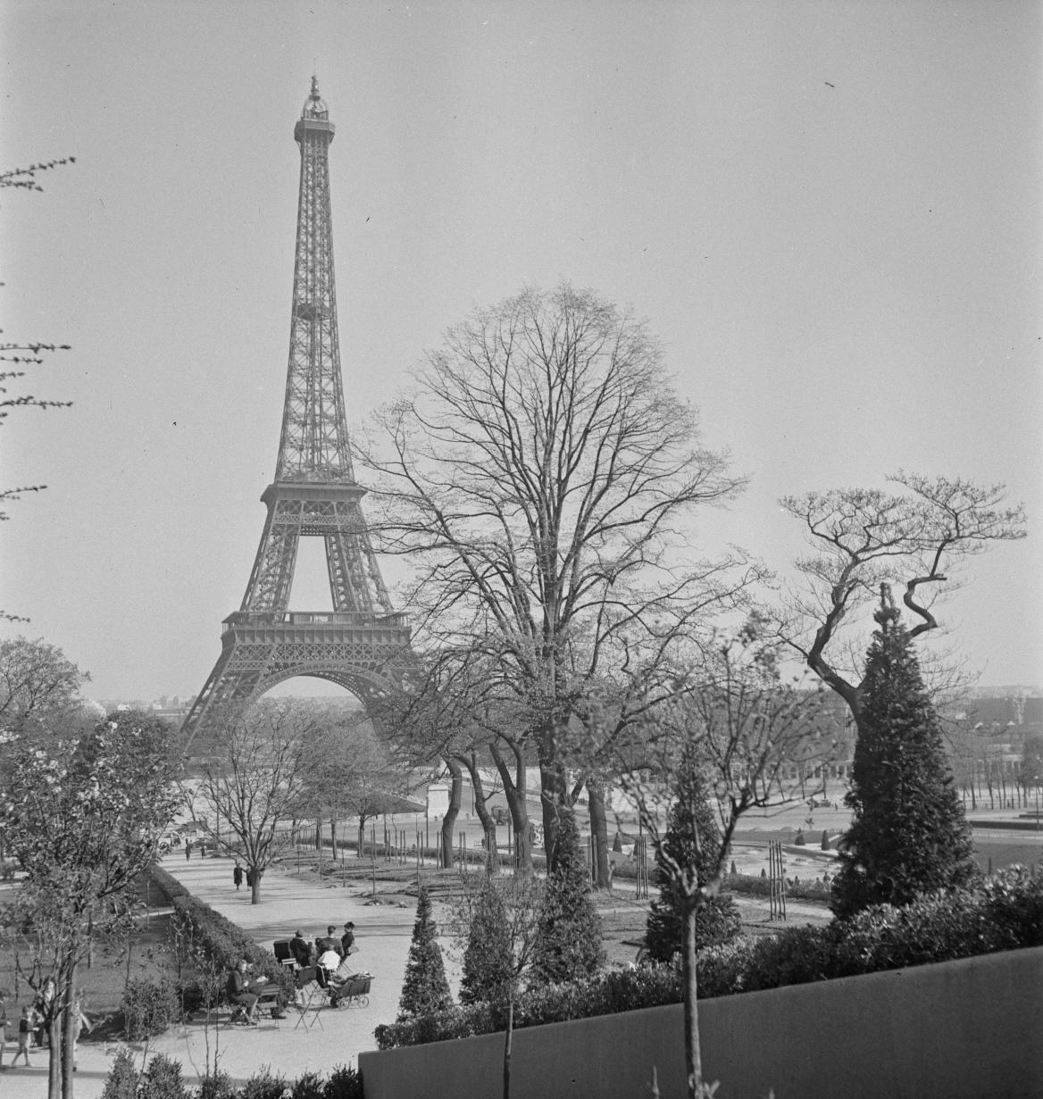 Эйфелева башня и сад Трокадеро