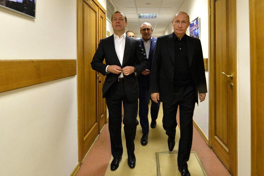 Посещение штаба партии «Единая Россия» 18.09.16.png