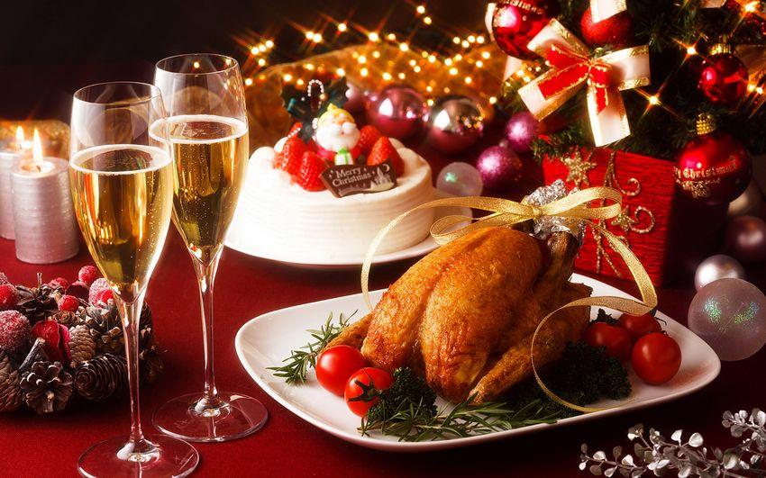 Новогодние угощения, еда, сервировка стола