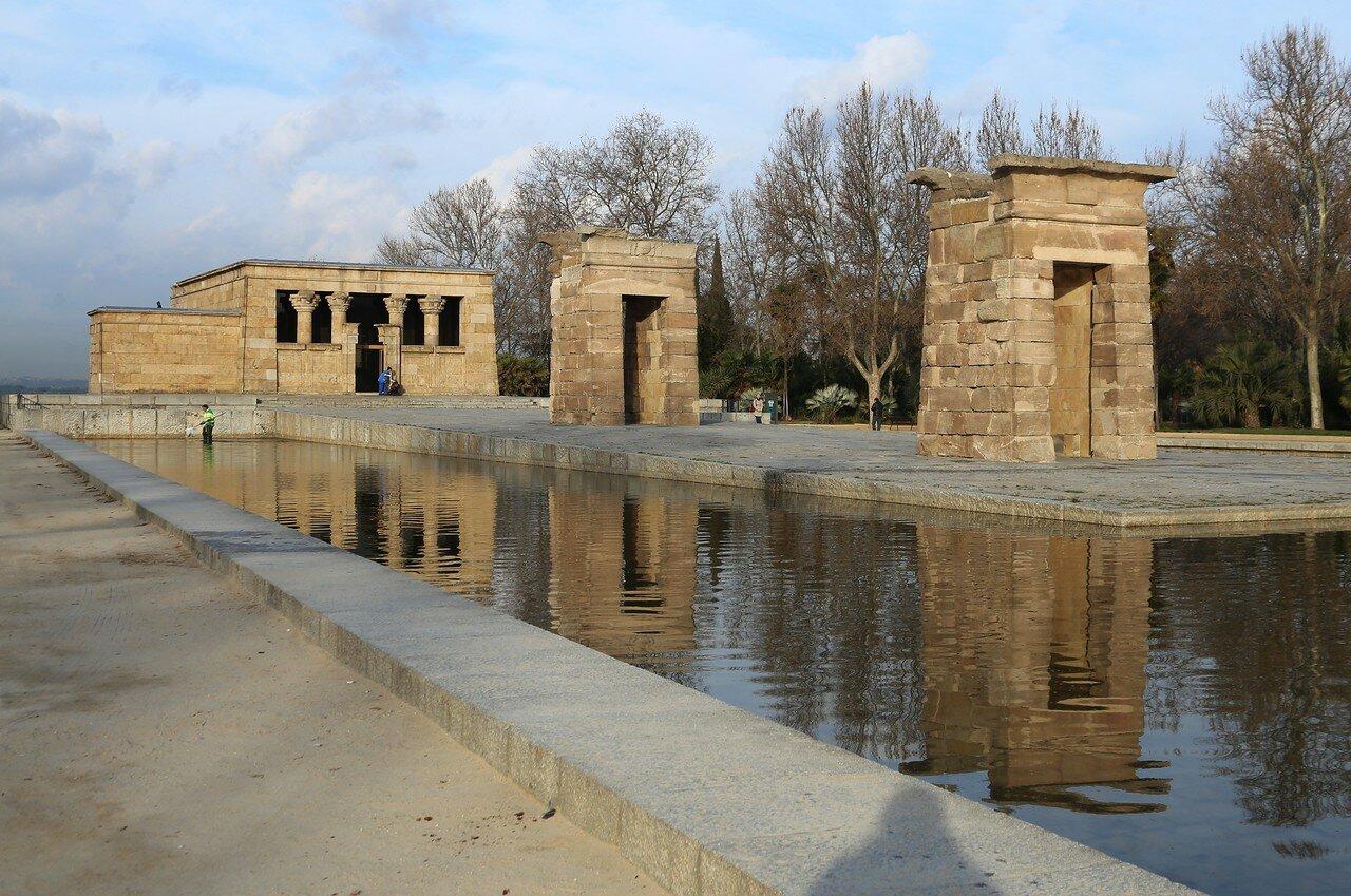Мадрид. Западный парк (Parque del Oeste). Египтский храм Дебод (Templo de Debod)