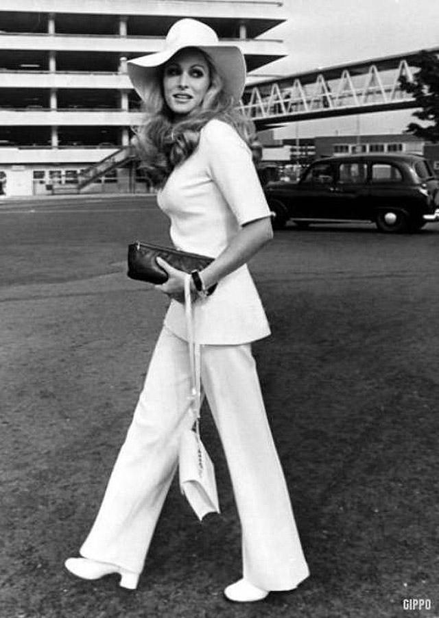 35. Из дизайнеров в 70-е года выделяли Соню Рикель, которую называли новой Шанель. Соня Рикель созда