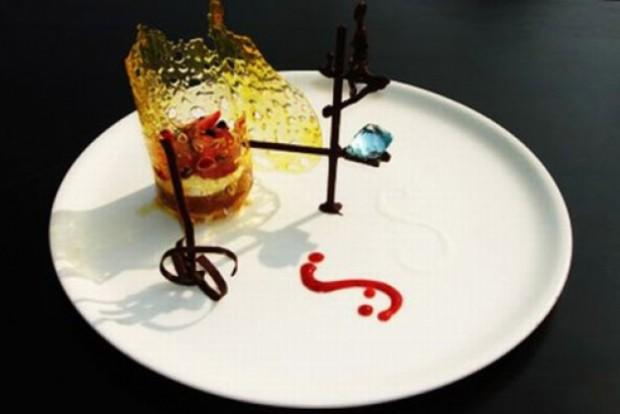 6. Десерт Fortress Stilt Fisherman Indulgence ($14,5 тыс.) Аквамарин весом в 80 карат можно забрать