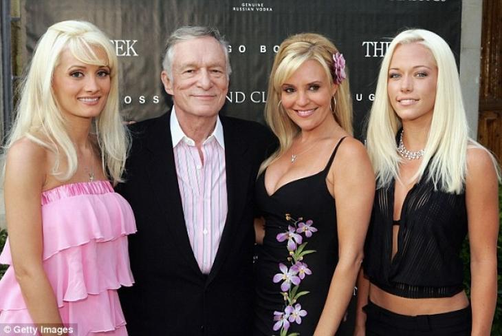 Ох уж эти бывшие: Хью с участницами нашумевшего реалити-шоу Girls Next Door.