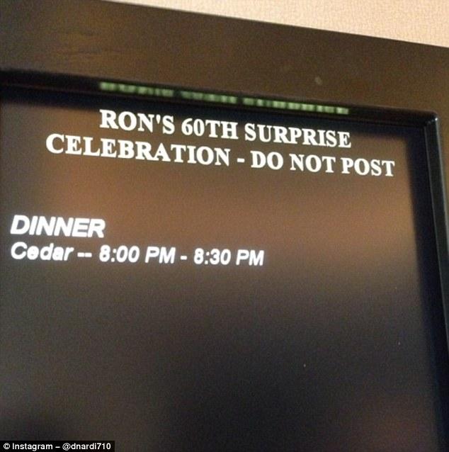 «Сюрприз — праздник по случаю 60-летия Рона — не объявлять». В общем, сюрприз не удался, и Рон все у