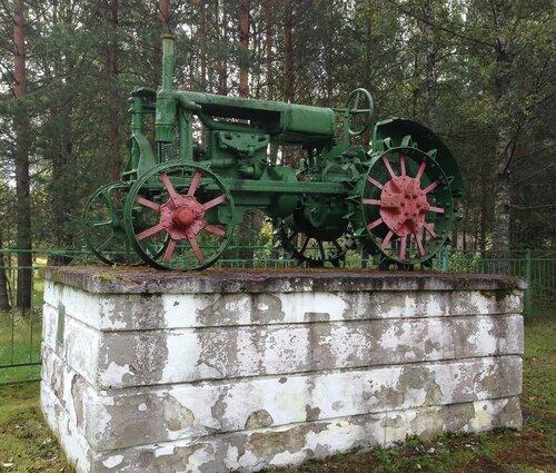 10_Луга_трактор.JPG