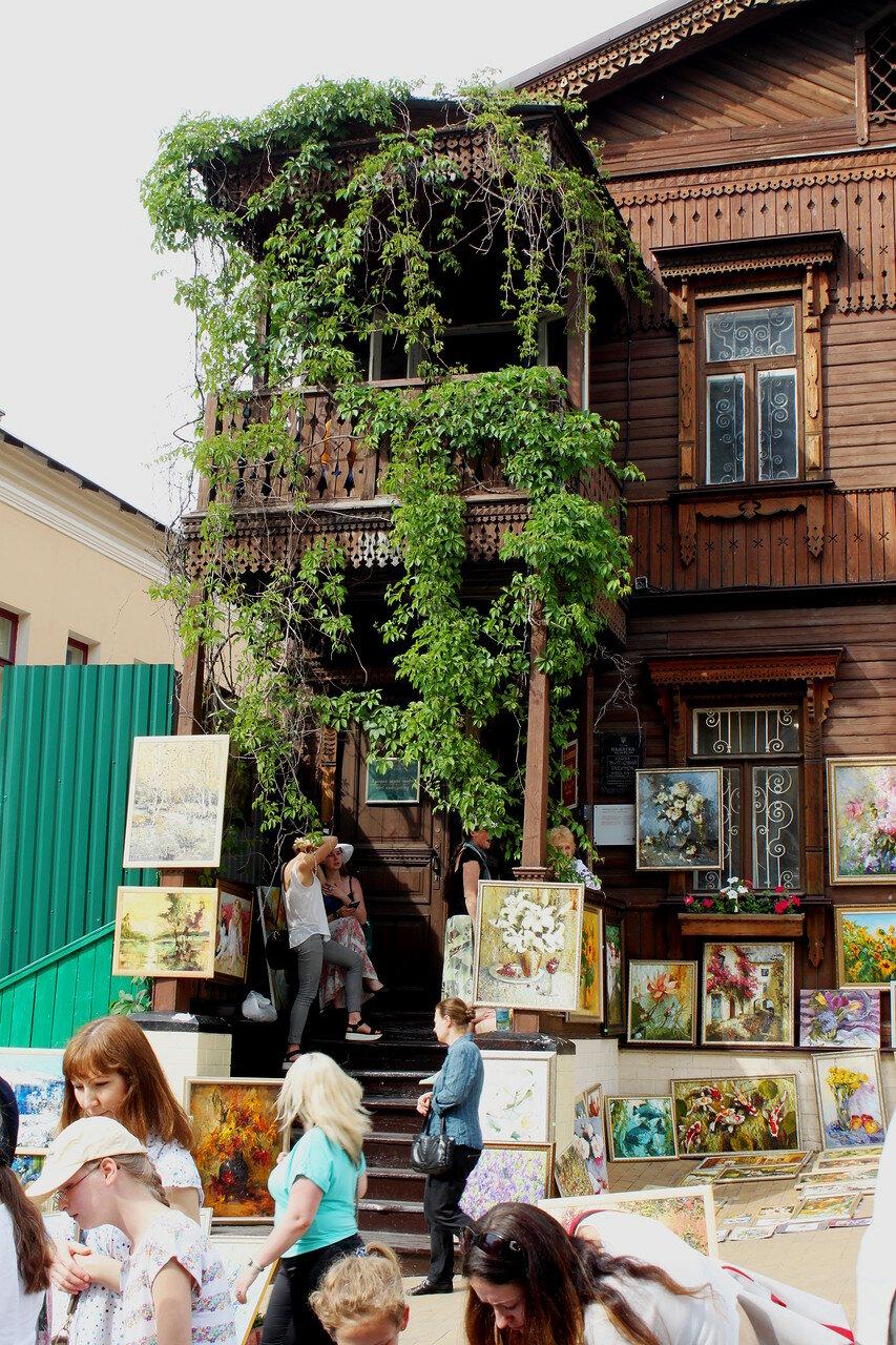 Деревянный дом на Андреевском спуске