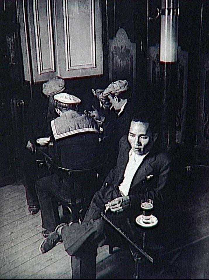 1932. Китайское кафе в Париже