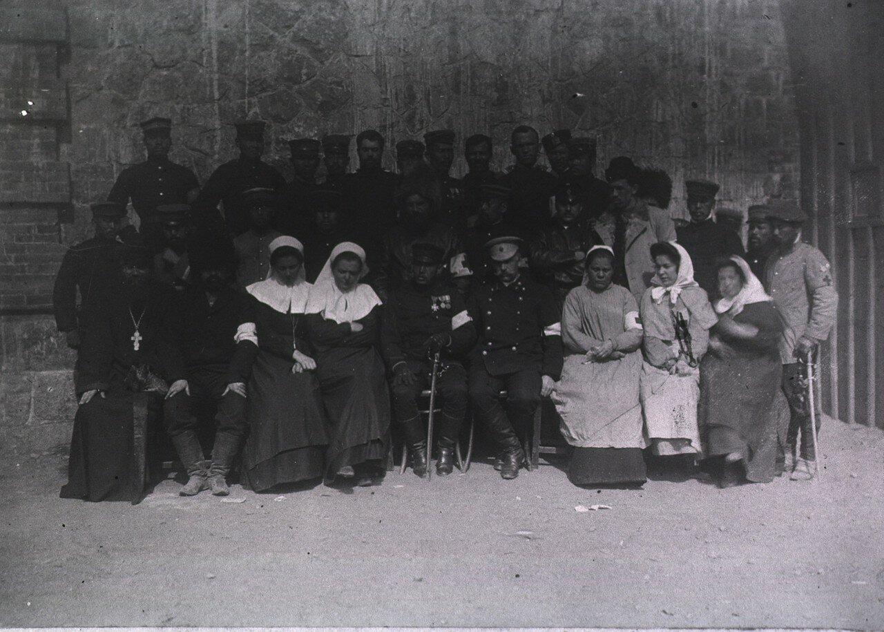 Порт-Артур. Русский госпиталь. Духовенство и персонал