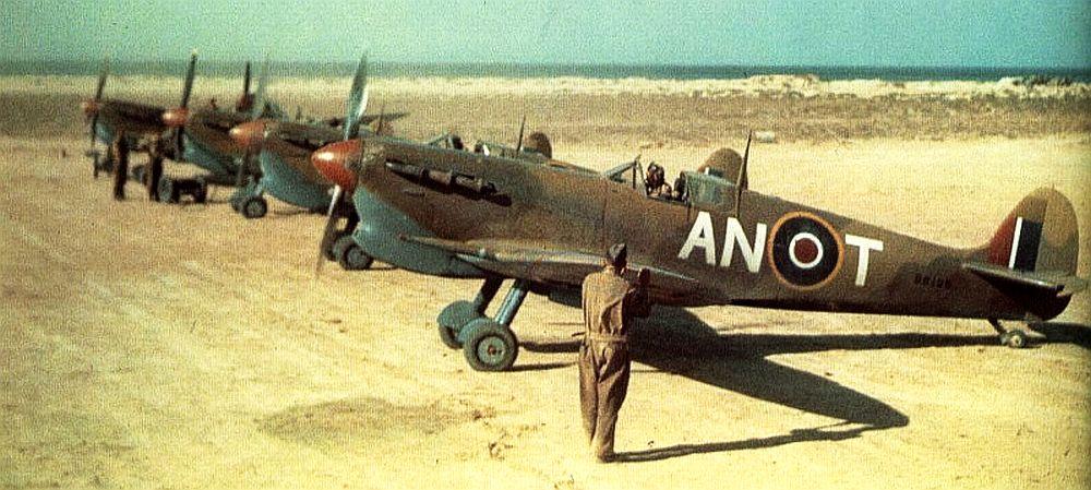 Spitfire-Vs-417th-Canada-Sq-Nth-Africa.jpg