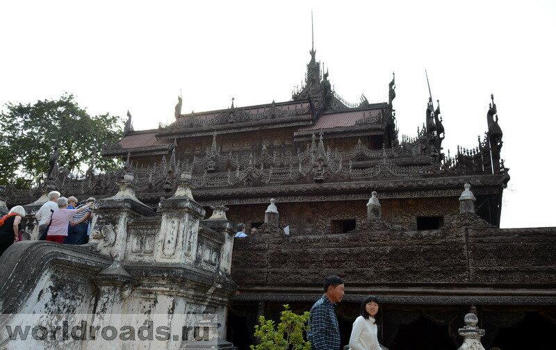 Shwe-Nandaw Kyang Monastery