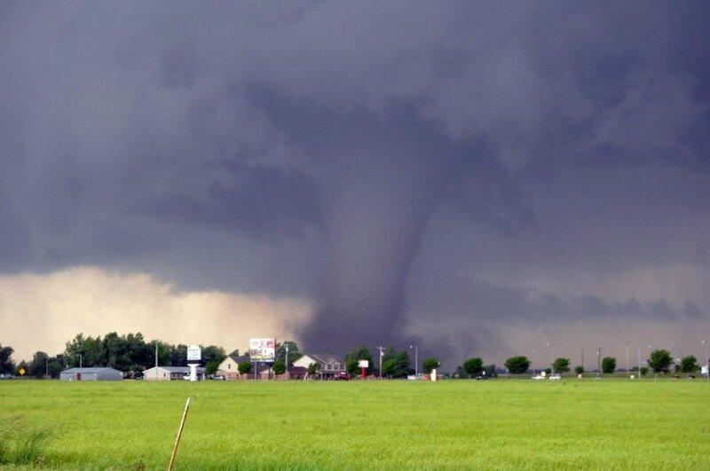 Фотографии сильнейших торнадо года. Впечатляющие снимки природной стихии 0 13fc92 e6428556 XL