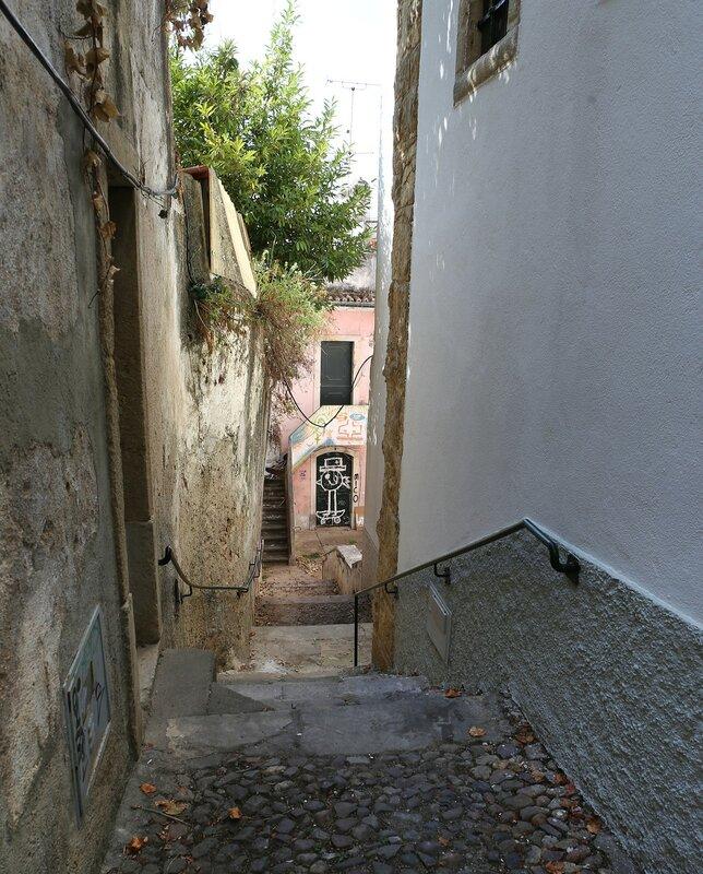 Коимбра. Переулок-лестница