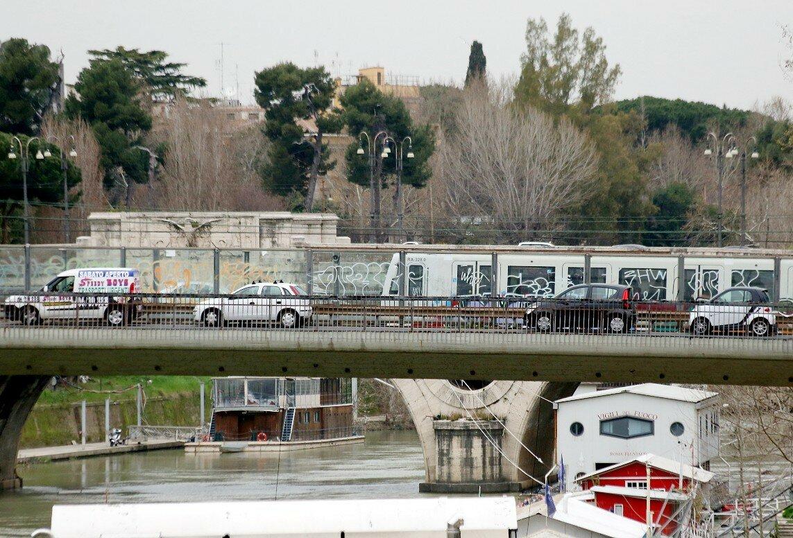 Рим. Мост Ненни (Ponte Nenni)