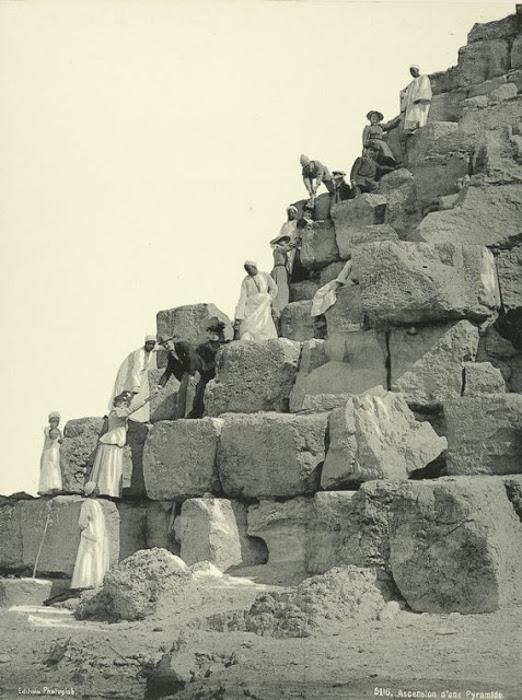 Подъем на пирамиду. Главная, и самая большая пирамида в Египте — пирамида Хеопса — была