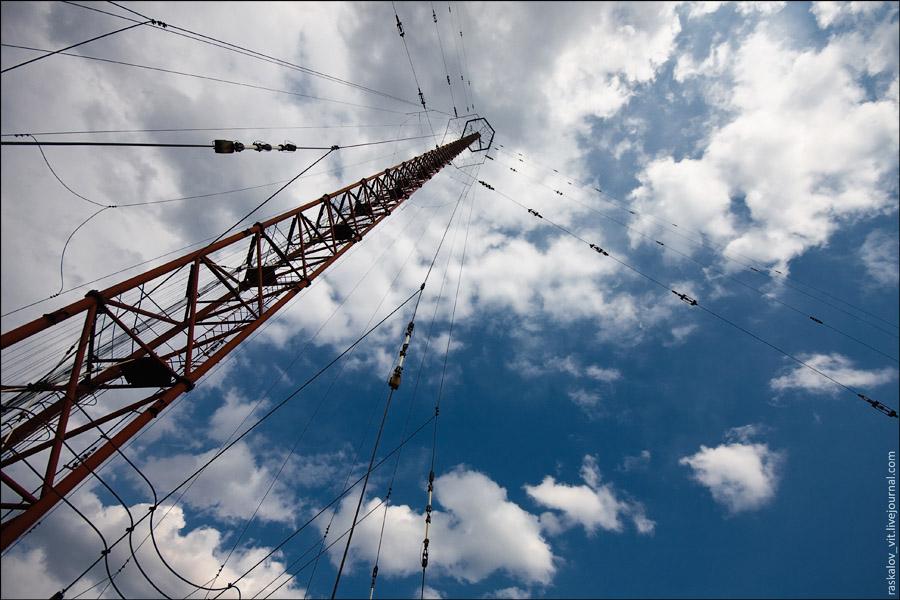 2. На высоте примерно 265 метров находится восьмигранник по которому можно спокойно походить.