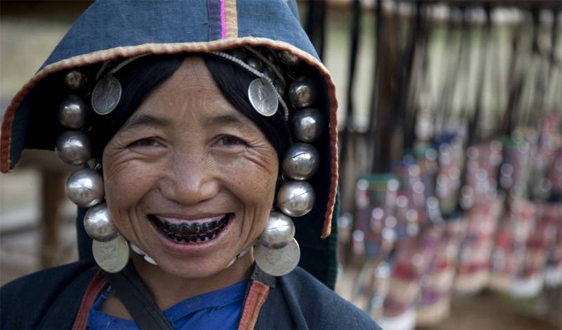 Зубы чернились японскими девочками от 8 до 10 лет, в знак того, что они уже готовы к замужеству. Чер