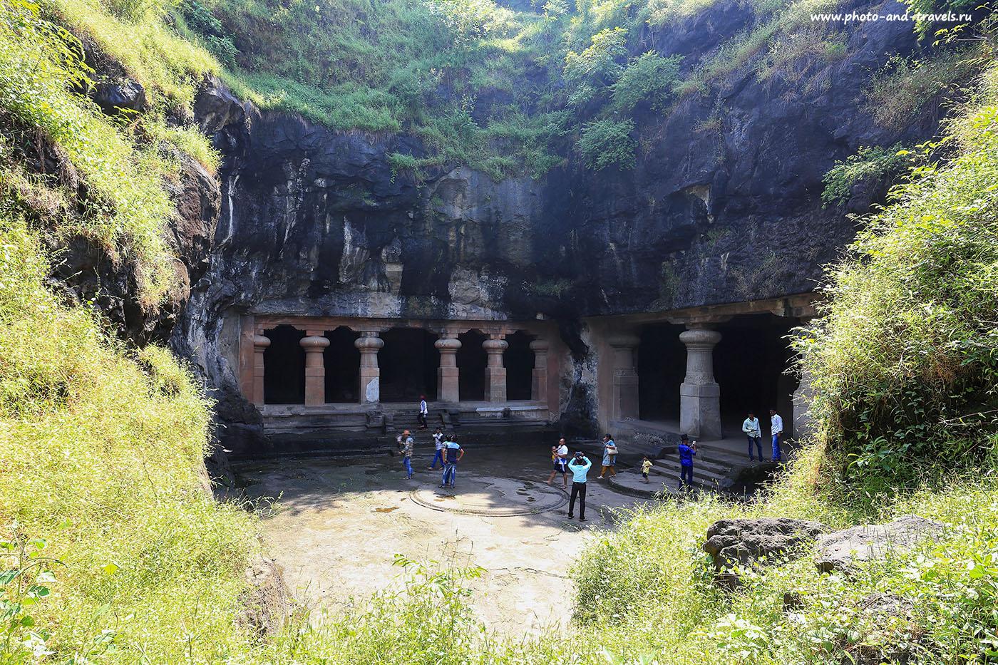 13. Внутренний двор. Отчет о самостоятельной экскурсии в пещеры Элефанты. Отзывы о поездке в Мумбаи и Гоа самостоятельно (17-40, 1/30, -1eV, f9, 22 mm, ISO 100)