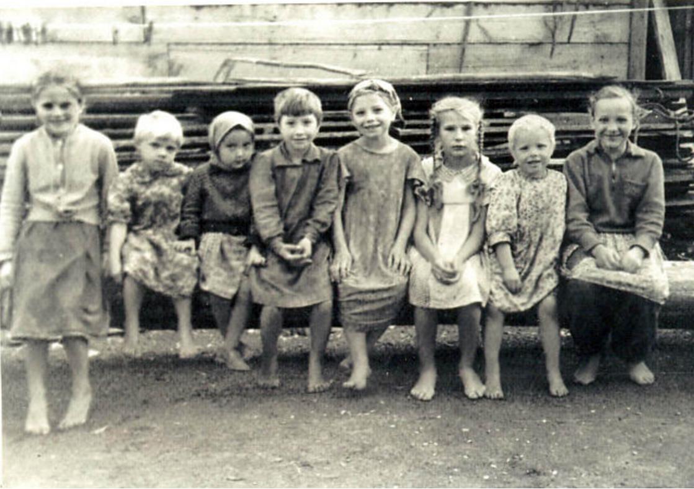 Подружки с одной улицы. 1957. Даурск